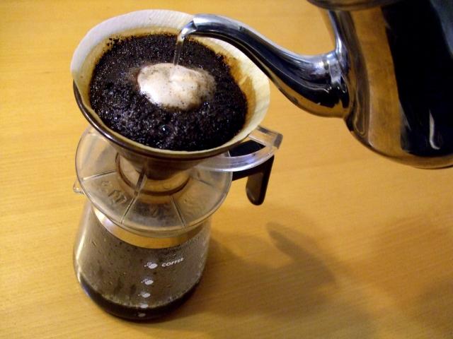 コーヒーを1日に3〜4杯飲むと寿命が延びるらしい